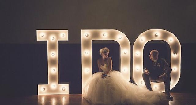 letras gigantes luminosas  boda